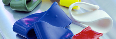 Ready-to-use, heat-curable blends of silicone rubber